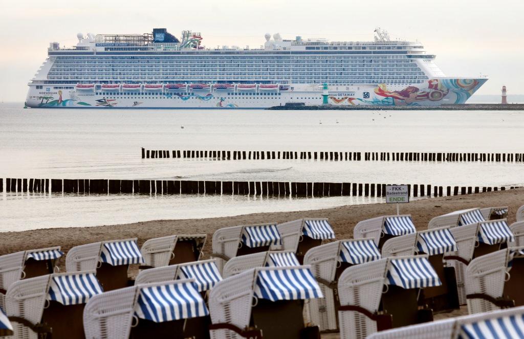 Mit der NORWEGIAN GETAWAY läuft am 17.05.2017 das bislang größte Kreuzfahrtschiff in der bisherigen Geschichte das Ostseebad Warnemünde