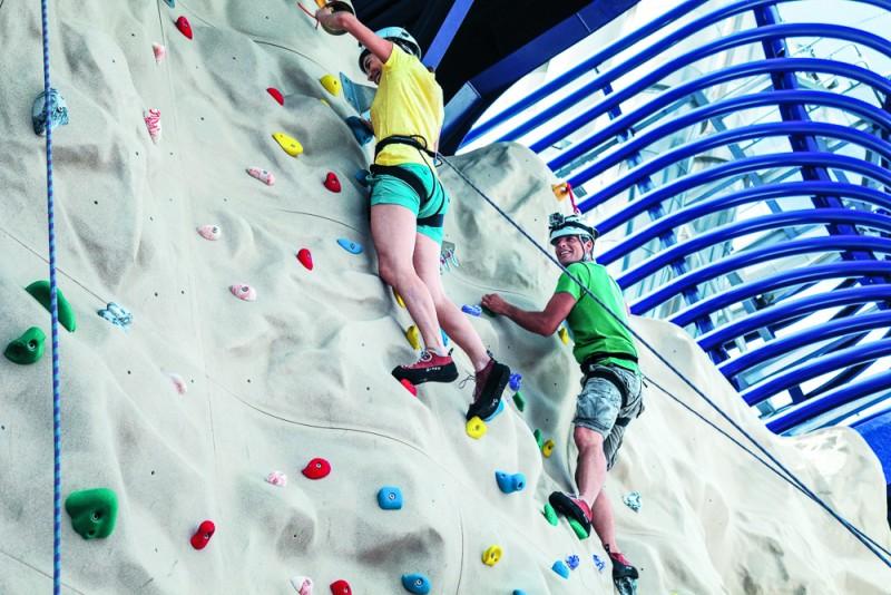 ncl_Epic_Climbing_Wall_Couple