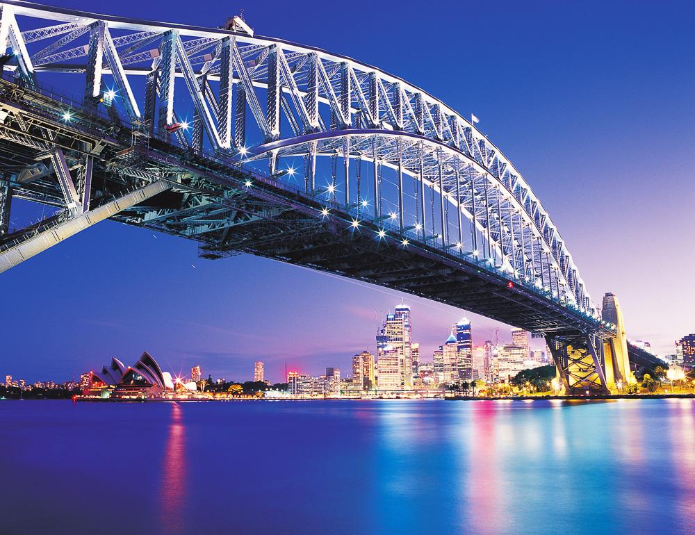 """Zum Themendienst-Bericht """"Tourismus/Australien/KORR/"""" von Christiane Oelrich vom 31. Oktober: Wird auch ´Kleiderb¸gelª genannt: F¸r die Hafenbr¸cke von Sydney wurden mehr als 52 000 Tonnen Stahl verbaut. (Die Verˆffentlichung ist f¸r dpa-Themendienst-Bezieher honorarfrei. Quellenhinweis: """"Bridgeclimb/dpa/tmn"""". Das Bild darf nur im Zusammenhang mit dem genannten Text verwendet werden.) +++ +++"""