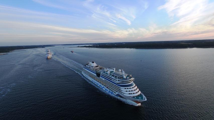 Aida-Schiffe verlassen gemeinsam Kiel