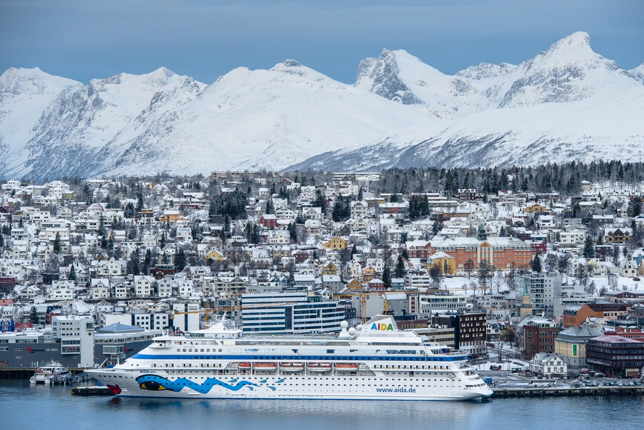 AIDAcara vor Tromsø  Foto: Aida Cruises