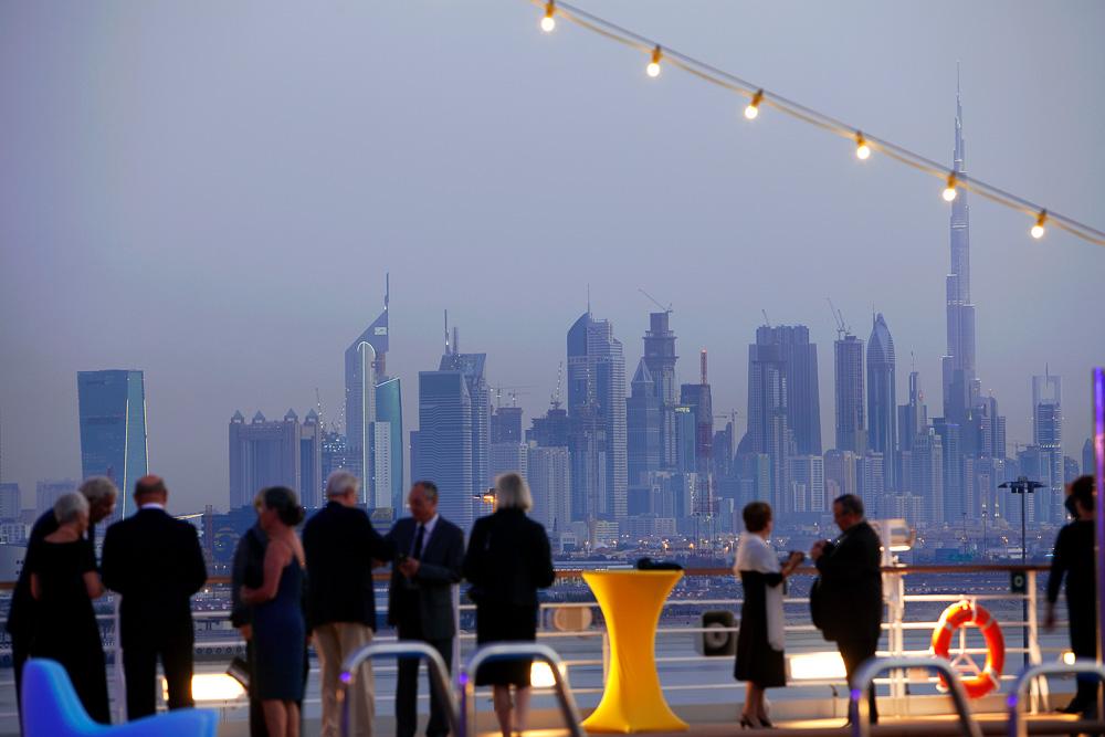 Die Skyline von Dubai zieht viele Touristen an - auch Costa bietet im kommenden Winter Reisen dorthin an.  Foto: Costa Kreuzfahrten/dpa-mag