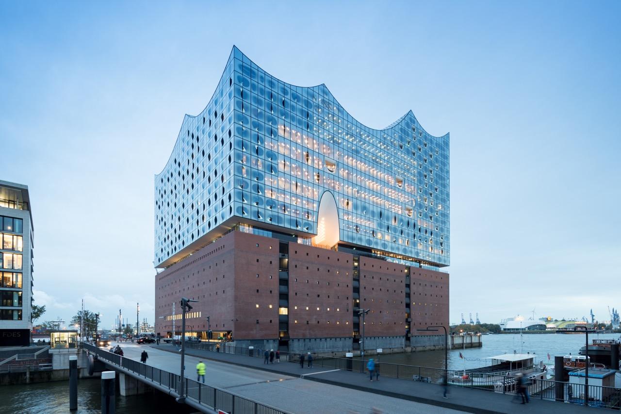 Die Elbphilharmonie im Hamburger Hafen Foto: Ivan Bahn