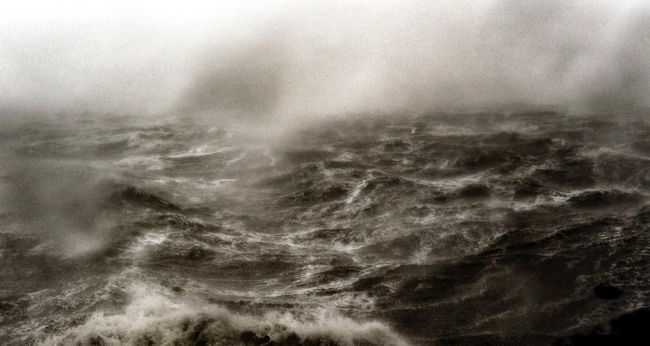 Meere-Nordsee - Die Hafenmole von Dagebüll in Nordfriesland bei dem Sturm am 28.10.2013 wo Windgeschwindigkeiten über 180 km/h gemessen wurden; Windstärke 12.