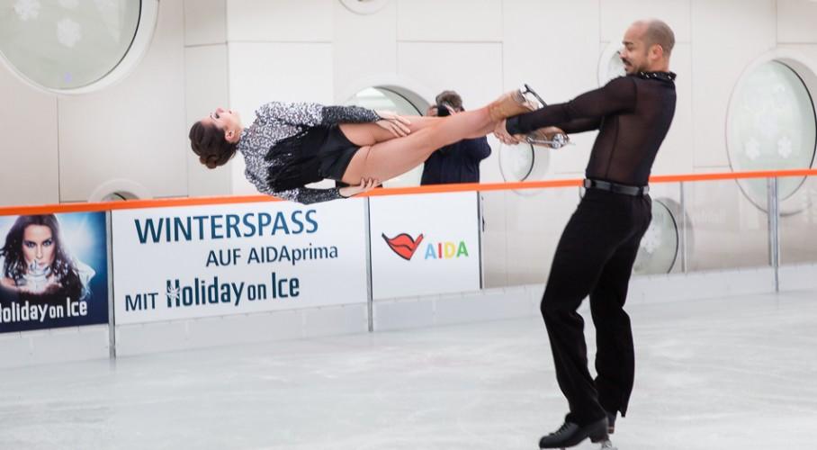 Holiday on Ice: AIDA PRIMA eröffnet höchste Eisbahn in Hamburg