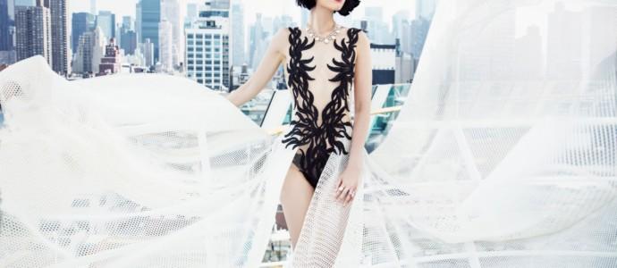 AIDA LUNA als Laufsteg: Fashion Show vor Manhattan
