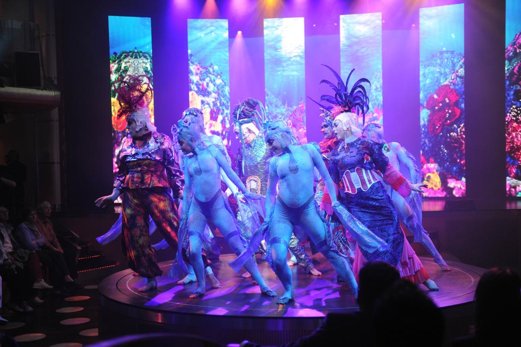 """Spektakuläre Show auf der AIDA mar – """"Kauri"""" wird aufgeführt."""